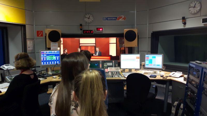 Schüler live im Radio und im TV