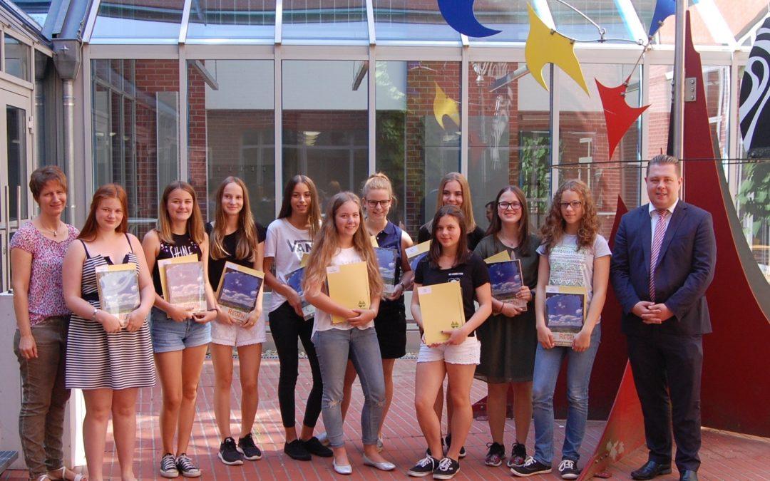 Zertifikate für aktive Gymnasiastinnen