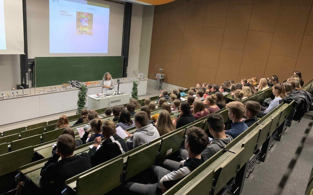 Q11 schnuppert Hochschulluft